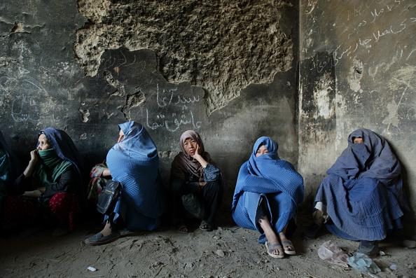 Kabul「Afghan Women Get Food Aid」:写真・画像(1)[壁紙.com]