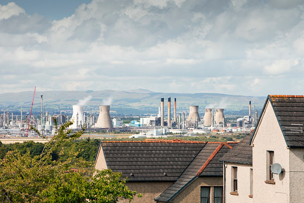Greenhouse Gas「The Ineos oil refinery in Grangemouth Scotland, UK. The site is responsible for massive C02 emissions.」:写真・画像(2)[壁紙.com]