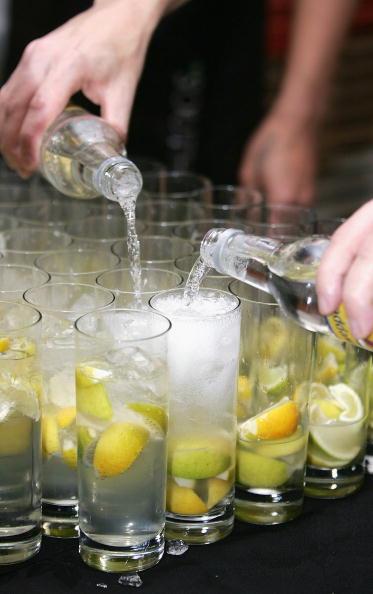 Gin「42 Below Holds Annual General Meeting」:写真・画像(14)[壁紙.com]