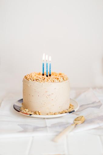 Food Styling「Birthday cake with three candles」:スマホ壁紙(16)