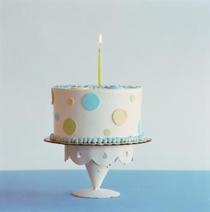 Birthday「Birthday cake with one candle」:スマホ壁紙(17)