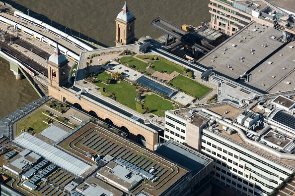 Roof Garden「Cannon Street Railway Station And Cannon Bridge Roof Garden」:写真・画像(2)[壁紙.com]