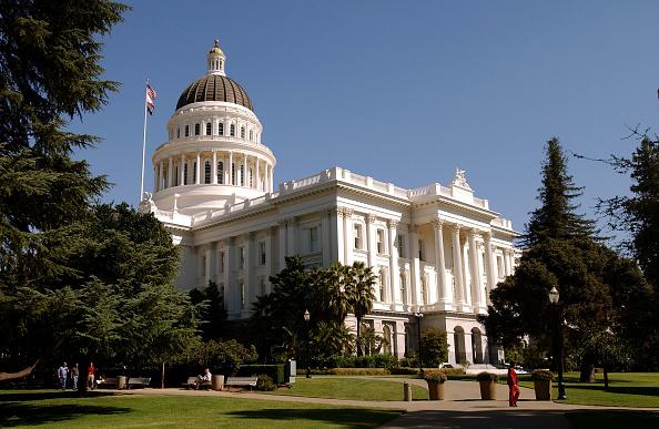 California「Davis Addresses Cabinet Members After Recall Defeat」:写真・画像(10)[壁紙.com]