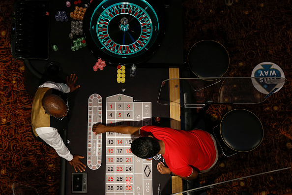 Hollie Adams「Grosvenor Casino Reopens To Customers After Months In Lockdown」:写真・画像(6)[壁紙.com]