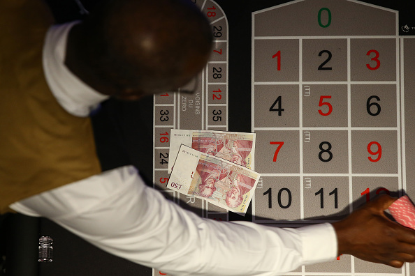 Hollie Adams「Grosvenor Casino Reopens To Customers After Months In Lockdown」:写真・画像(8)[壁紙.com]
