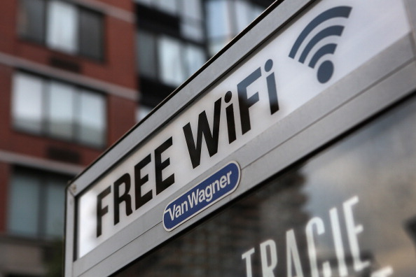 Wireless Technology「NYC To Turn Some Of Its 12,000 Phone Booths Into Free Wifi Spots」:写真・画像(16)[壁紙.com]