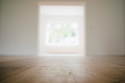 Surface Level「Wooden floor in a newly refurbished house」:スマホ壁紙(0)