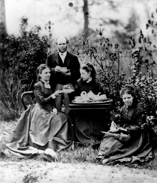 Victorian Style「Afternoon Tea」:写真・画像(7)[壁紙.com]