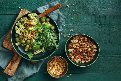 Food and Drink「Summer vegetarian pasta salad with broccoli pesto」:スマホ壁紙(0)