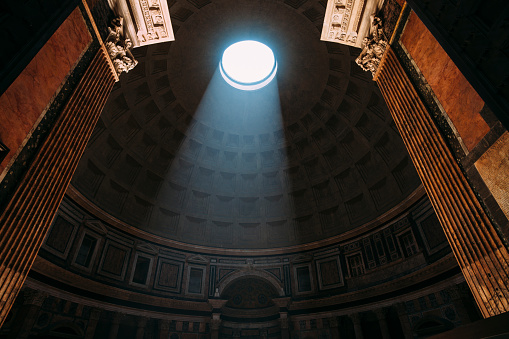 Roman「Pantheon entrance in Rome」:スマホ壁紙(4)