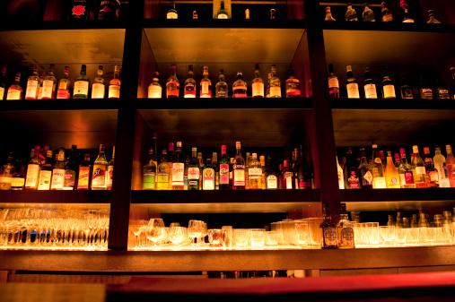 Liqueur「Liquor Bottles at Bar」:スマホ壁紙(14)