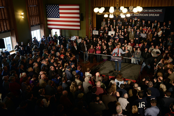 US Republican Party Presidential Candidate「Rand Paul Holds Rally In Milford, New Hampshire」:写真・画像(19)[壁紙.com]
