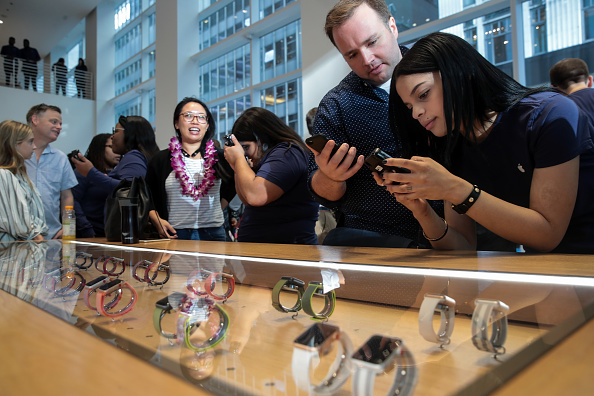 Apple Watch「New Apple Products Including iPhone 8 Go On Sale」:写真・画像(13)[壁紙.com]