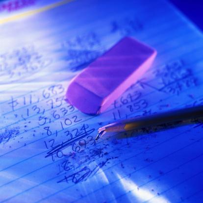Homework「Broken Pencil over a Sheet of Figures」:スマホ壁紙(2)
