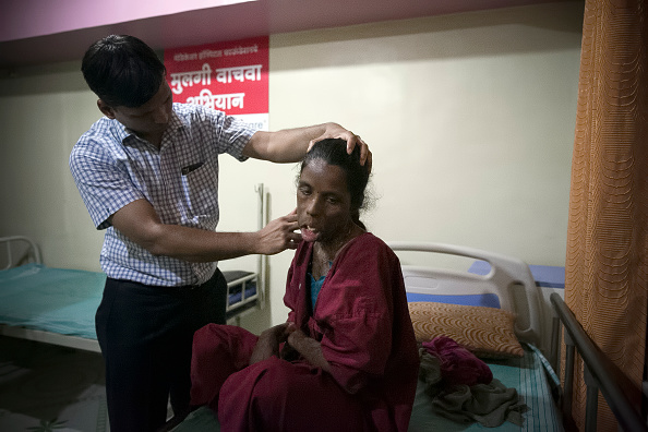 Pune「Indian Doctor Provides Free Care For Women In Need」:写真・画像(8)[壁紙.com]