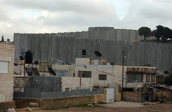 Abu Dis「Barrier」:写真・画像(6)[壁紙.com]