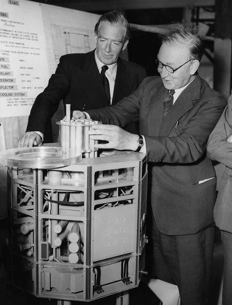 Douglas Miller「Water Reactor」:写真・画像(11)[壁紙.com]