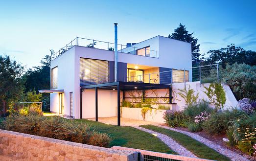 Fence「Modern house exterior」:スマホ壁紙(4)