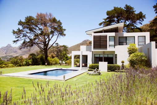 South Africa「Modern house with swimming pool」:スマホ壁紙(1)