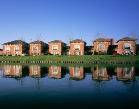 North Brabant「Modern housing development along canal」:スマホ壁紙(0)
