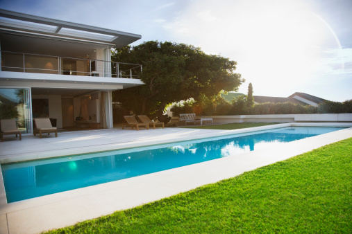South Africa「Modern  house and swimming pool」:スマホ壁紙(1)