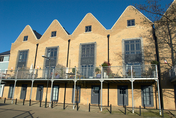 Architectural Feature「Modern housing with terraced balconies, Norwich, Norfolk, UK」:写真・画像(16)[壁紙.com]