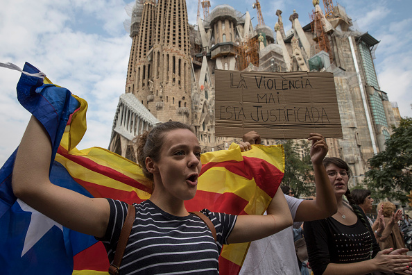 サグラダ・ファミリア「Aftermath Of The Catalonian Independence Referendum」:写真・画像(17)[壁紙.com]