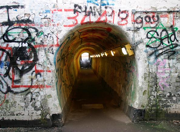 Graffiti「Vandalised underpass at Grantham station ECML. 2003」:写真・画像(4)[壁紙.com]