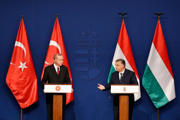 Laszlo Balogh「Turkish President Erdogan Meets Hungarian PM Orban To Talk Syria And Migration」:写真・画像(13)[壁紙.com]