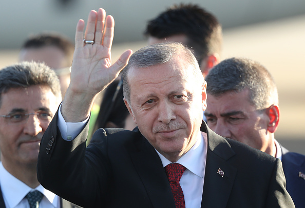 Wave「G20 Leaders Arrive For Hamburg Summit」:写真・画像(10)[壁紙.com]