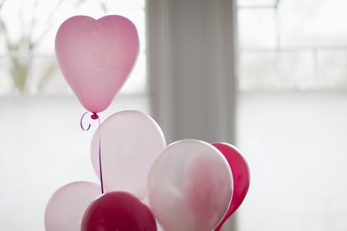 Love - Emotion「Heart-shape balloon」:スマホ壁紙(10)