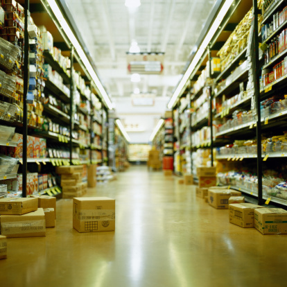 Supermarket「Grocery store aisle with boxes」:スマホ壁紙(11)