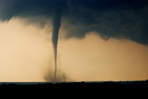 Destruction「Tornado rips across Oklahoma」:スマホ壁紙(5)
