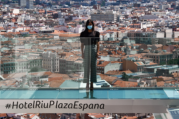 Madrid「Begoña Villacis Attends The Reopening Of The Hotel Riu Plaza España」:写真・画像(19)[壁紙.com]