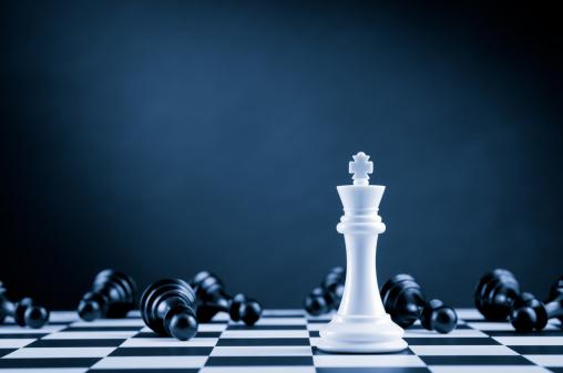 Winning「White Chess King among lying down black pawns on chessboard」:スマホ壁紙(10)