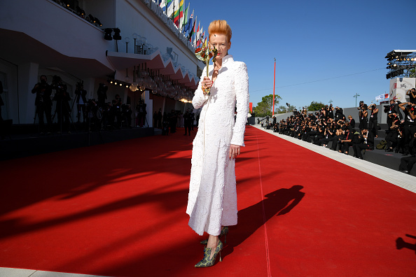"Venice International Film Festival「""The Human Voice"" and ""Quo Vadis, Aida?"" Red Carpet - The 77th Venice Film Festival」:写真・画像(6)[壁紙.com]"
