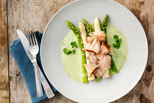Asparagus「Green and white asparagus with flaked salmon.」:スマホ壁紙(8)
