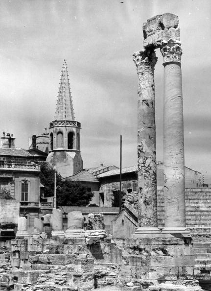 Architectural Feature「Arles Remains」:写真・画像(2)[壁紙.com]