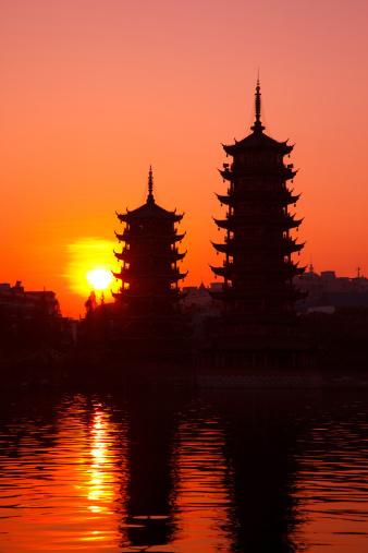 桂林山水「ツインタワーで Guillin」:スマホ壁紙(4)