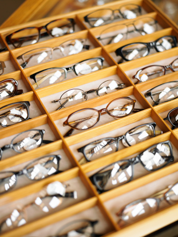 Eyewear「Display case of eyeglasses, close-up, high angle view」:スマホ壁紙(16)