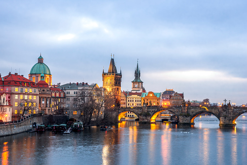 Charles Bridge「Czechia, Prague, Charles Bridge in the evening」:スマホ壁紙(14)