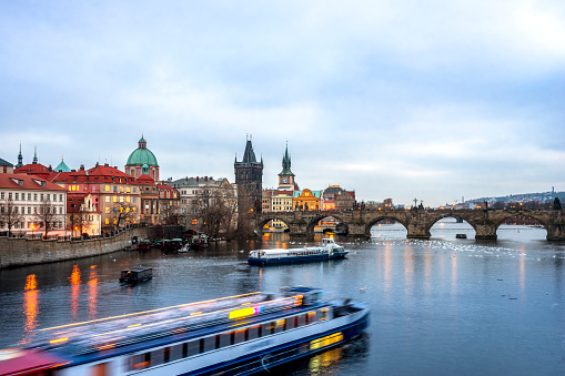 Charles Bridge「Czechia, Prague, Charles Bridge and tourboat」:スマホ壁紙(13)