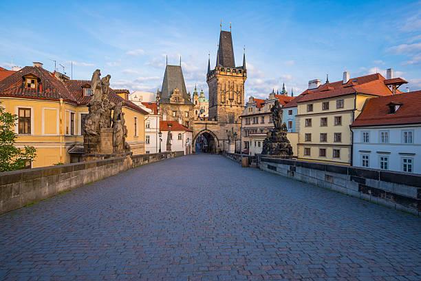 Czechia, Prague, Old town, Kleinseite Bridge Tower in the evening:スマホ壁紙(壁紙.com)