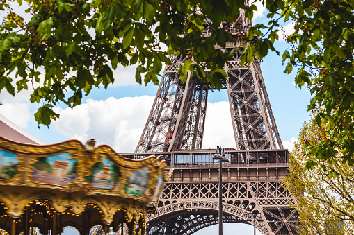 France「France, Ile-de-France, Paris, Eiffel tower and carousel」:スマホ壁紙(4)