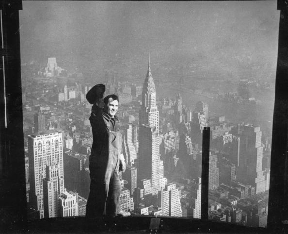skyscraper「View on the Chrysler-Building, New York, USA, Photograph, 1931」:写真・画像(17)[壁紙.com]