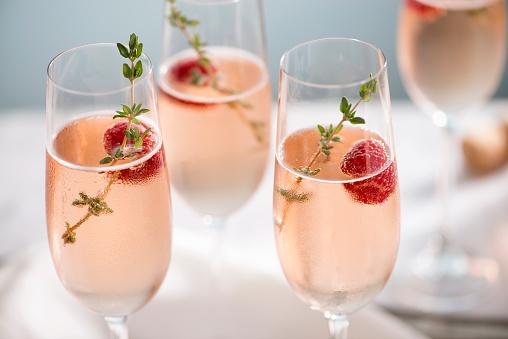 Carbonated drink「Rose Champagne Cocktails」:スマホ壁紙(15)
