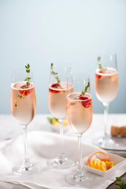 Rose Champagne Cocktails:スマホ壁紙(壁紙.com)