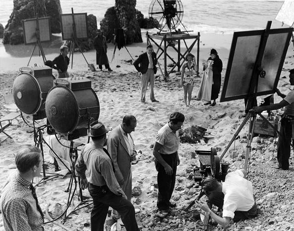 Movie「Film Crew Shoots On Sandy Beach」:写真・画像(8)[壁紙.com]