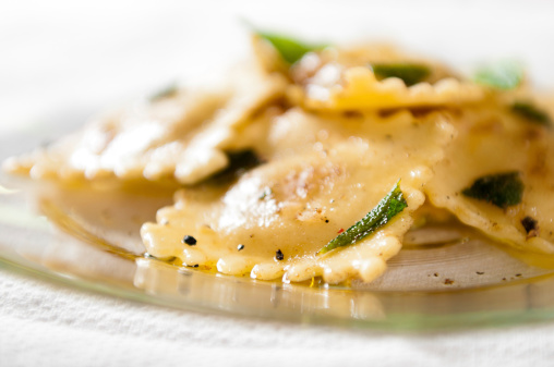 Ravioli「Cheese Ravioli in Brown Butter Sage Sauce」:スマホ壁紙(3)
