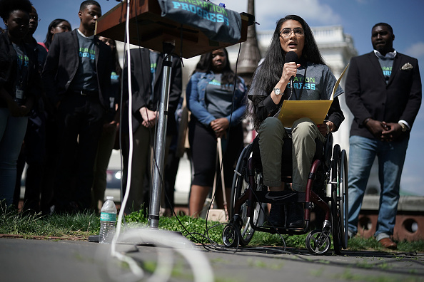 Disability「Rep. Chris Murphy, Activists, Call For Steps To End Gun Violence On Capitol Hill」:写真・画像(6)[壁紙.com]